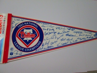 1993 NL CHAMPS PHILLY w/sigs