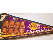 2000 CHAMPS LAKERS char.