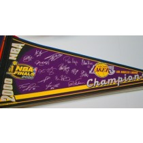 2000 CHAMPS LAKERS w/sigs
